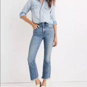 Petite Cali Demi-Boot Jeans in Comfort Stretch